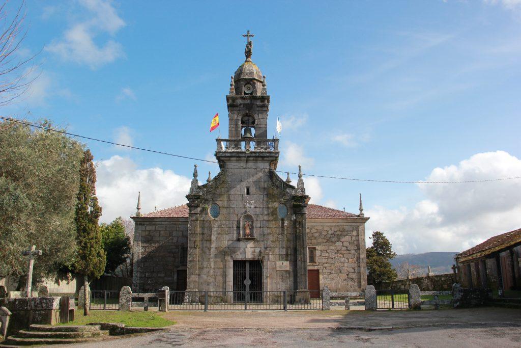 Iglesia de San Vicente de Mañufe